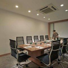 Отель PARKROYAL Serviced Suites Kuala Lumpur Малайзия, Куала-Лумпур - 1 отзыв об отеле, цены и фото номеров - забронировать отель PARKROYAL Serviced Suites Kuala Lumpur онлайн помещение для мероприятий