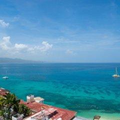 Отель Sky View Beach Studio - Montego Bay Club Ямайка, Монтего-Бей - отзывы, цены и фото номеров - забронировать отель Sky View Beach Studio - Montego Bay Club онлайн пляж фото 3