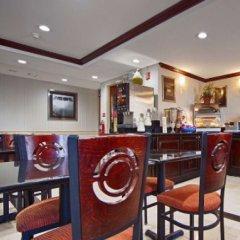 Отель Best Western Kennedy Airport США, Нью-Йорк - 1 отзыв об отеле, цены и фото номеров - забронировать отель Best Western Kennedy Airport онлайн питание фото 3