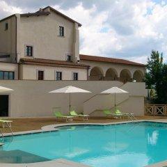 Villa Tolomei Hotel & Resort Флоренция бассейн