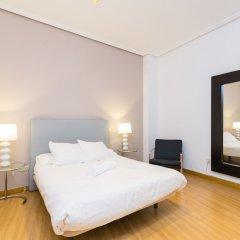 Отель Puerta del Sol Stylish Aparments by Allô Housing Испания, Мадрид - отзывы, цены и фото номеров - забронировать отель Puerta del Sol Stylish Aparments by Allô Housing онлайн комната для гостей фото 2