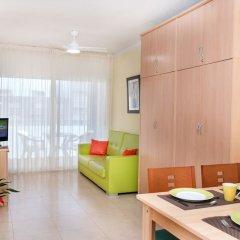 Отель Apartaments Costa d'Or Испания, Калафель - отзывы, цены и фото номеров - забронировать отель Apartaments Costa d'Or онлайн комната для гостей фото 2