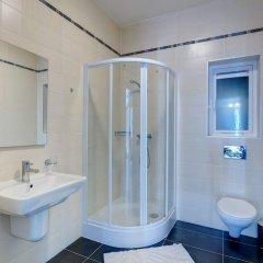 Отель Seafront LUX Apartment wt Pool, Upmarket Area Мальта, Слима - отзывы, цены и фото номеров - забронировать отель Seafront LUX Apartment wt Pool, Upmarket Area онлайн ванная