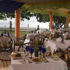 Отель Grand Pineapple Beach Negril All Inclusive питание