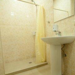Отель Albert House Hotel Армения, Ереван - 1 отзыв об отеле, цены и фото номеров - забронировать отель Albert House Hotel онлайн ванная фото 2