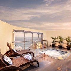 Отель Novotel Surfers Paradise бассейн фото 2