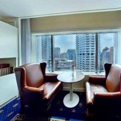 Отель Istana Kuala Lumpur City Centre Малайзия, Куала-Лумпур - отзывы, цены и фото номеров - забронировать отель Istana Kuala Lumpur City Centre онлайн балкон