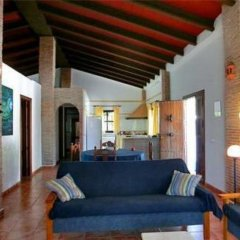 Отель Chalet Delfin Испания, Кониль-де-ла-Фронтера - отзывы, цены и фото номеров - забронировать отель Chalet Delfin онлайн комната для гостей