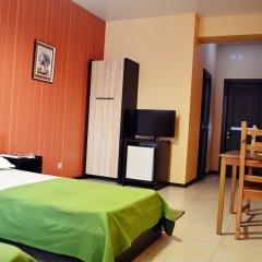 Гостиница Грин Отель в Иркутске 1 отзыв об отеле, цены и фото номеров - забронировать гостиницу Грин Отель онлайн Иркутск комната для гостей фото 9