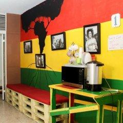 Отель Reggae Hostel Montego Bay Ямайка, Монтего-Бей - отзывы, цены и фото номеров - забронировать отель Reggae Hostel Montego Bay онлайн удобства в номере