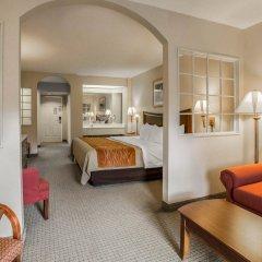 Отель Rodeway Inn And Suites On The River Чероки комната для гостей фото 2