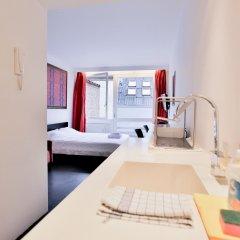 Отель Chic Suisse Flat - Metro Louise Брюссель комната для гостей фото 4