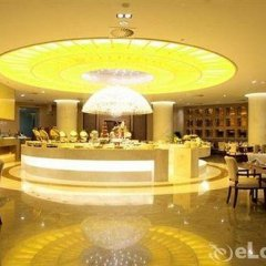 Отель Tang Dynasty West Market Hotel Xian Китай, Сиань - отзывы, цены и фото номеров - забронировать отель Tang Dynasty West Market Hotel Xian онлайн питание фото 2