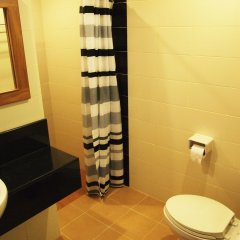 Phuket Ecozy Hotel ванная