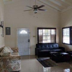 Отель Zades Vacation Home комната для гостей фото 5