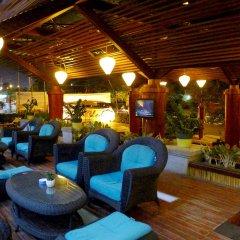 The Light Hotel and Resort гостиничный бар
