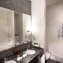 Гостиница Mercure Kyiv Congress Украина, Киев - 7 отзывов об отеле, цены и фото номеров - забронировать гостиницу Mercure Kyiv Congress онлайн ванная