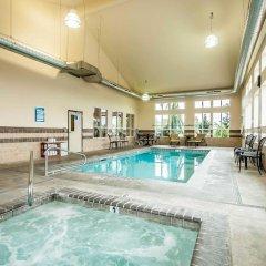 Отель Comfort Inn And Suites McMinnville бассейн
