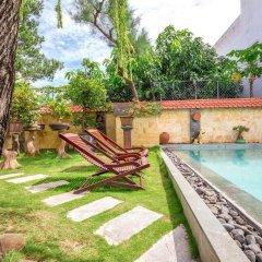 Отель Bonsai Homestay бассейн