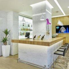 Отель Holiday Inn Express Belgrade - City гостиничный бар
