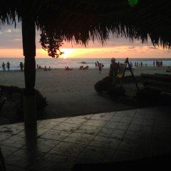 Отель Dharma Beach пляж
