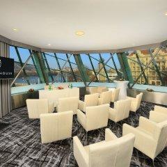 Отель Dancing House Hotel Чехия, Прага - 2 отзыва об отеле, цены и фото номеров - забронировать отель Dancing House Hotel онлайн питание