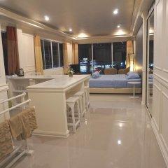 Отель Phuket Airport Suites & Lounge Bar - Club 96 Представительский люкс с различными типами кроватей фото 2