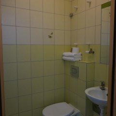 Отель Хостел Sopotiera Pokoje Goscinne Польша, Сопот - отзывы, цены и фото номеров - забронировать отель Хостел Sopotiera Pokoje Goscinne онлайн ванная фото 5