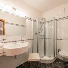 Hotel Sonnenburg Меран ванная фото 2