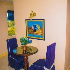 Апартаменты Sky Blue Beach Studio at Turtle Tower интерьер отеля