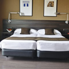 Hotel Medium Valencia комната для гостей