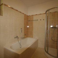 Отель Vila Lilla Чехия, Карловы Вары - отзывы, цены и фото номеров - забронировать отель Vila Lilla онлайн ванная