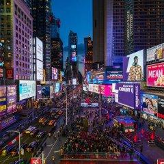Renaissance New York Times Square Hotel спортивное сооружение