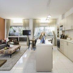 Sweet Inn Apartments - Molcho Street Израиль, Иерусалим - отзывы, цены и фото номеров - забронировать отель Sweet Inn Apartments - Molcho Street онлайн комната для гостей фото 5