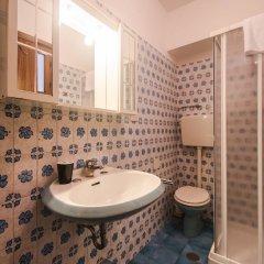 Отель Amazing View to Pitti Palace 3BD Apt ванная фото 2