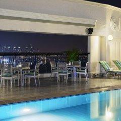 Renaissance Riverside Hotel Saigon бассейн фото 2