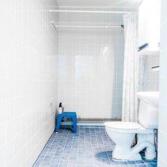 Отель WeHost Katajanokanranta 11 Финляндия, Хельсинки - отзывы, цены и фото номеров - забронировать отель WeHost Katajanokanranta 11 онлайн ванная фото 2