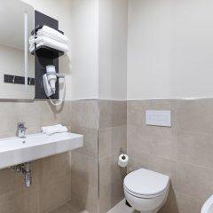 Отель B&B Hotel Roma Pietralata Италия, Рим - отзывы, цены и фото номеров - забронировать отель B&B Hotel Roma Pietralata онлайн ванная фото 2