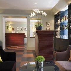 Отель Hôtel A La Villa des Artistes гостиничный бар