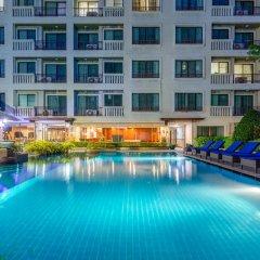 Отель Lasalle Suites & Spa бассейн
