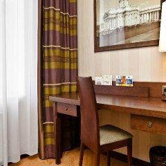 Гостиница Петро Палас 5* Стандартный номер с двуспальной кроватью фото 5