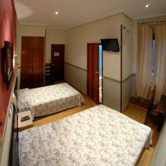 Отель Hostal Montecarlo удобства в номере