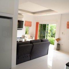 Отель Bangsaray Villa в номере фото 2