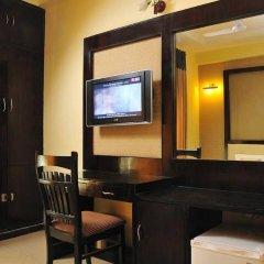 Отель Grand Plaza Индия, Нью-Дели - отзывы, цены и фото номеров - забронировать отель Grand Plaza онлайн удобства в номере фото 2