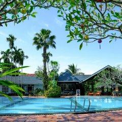 Отель Hoi An Trails Resort бассейн