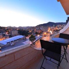 Отель P Quattro Relax Hotel Иордания, Вади-Муса - отзывы, цены и фото номеров - забронировать отель P Quattro Relax Hotel онлайн балкон