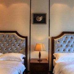 Lunkai International Hotel сейф в номере