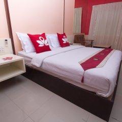 Отель Zen Rooms Surasak 2 Бангкок комната для гостей