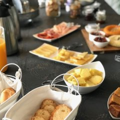 Отель Praia de Santos - Exclusive Guest House Португалия, Понта-Делгада - отзывы, цены и фото номеров - забронировать отель Praia de Santos - Exclusive Guest House онлайн питание фото 3