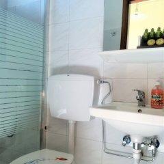 Отель John & Mary's Studios ванная фото 2